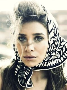 Ashley Olsen in Retro Headscarf