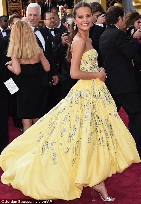 Alicia Vikander - in Louis Vuitton - Oscars 2016